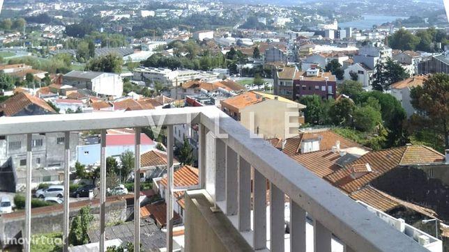 Apartamento T3 para arrendamento nas Antas - Porto