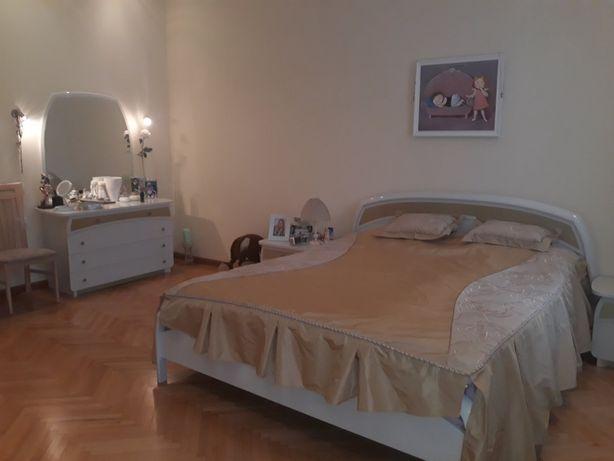 У продажу 3 кімнатна квартира на вул. Мечникова!