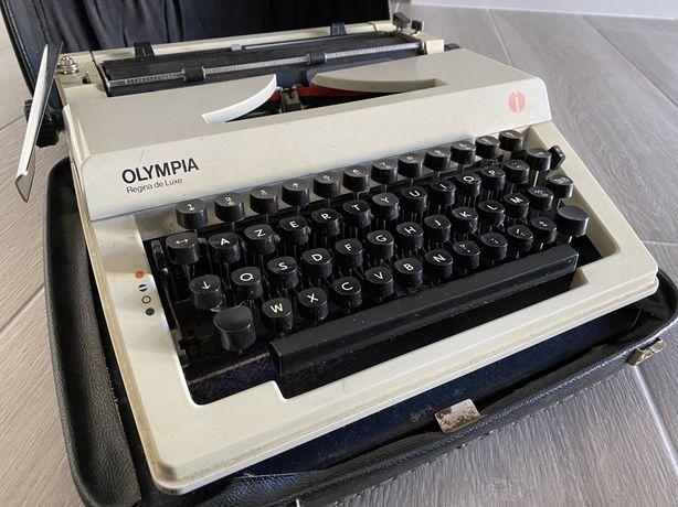 Maquina de Escrever Olympia