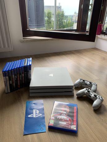 Konsola PS4 Pro White