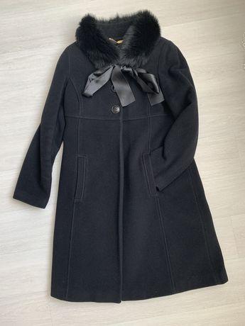 Кашемировое пальто с кроличьим сьемным воротником