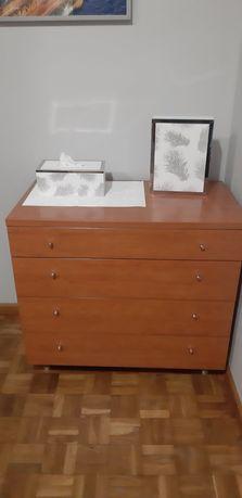 Komoda 4 szuflady regulowane stopki