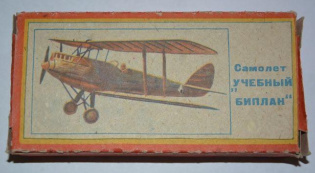 Сборная модель самолета Учебный биплан