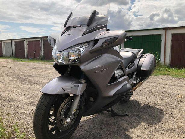 Motocykl Honda ST1300A