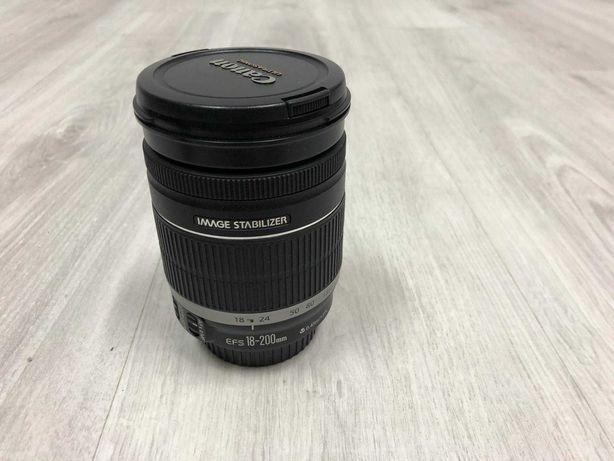 Lente  Canon EF-S 18-200 IS condição perfeita