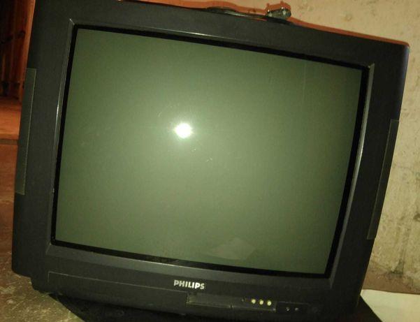 """telewizor Philips 22"""" stereo + pilot"""
