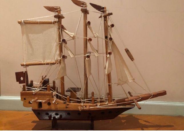 Barco Madeira artesanato - stock de loja; bom para revenda.