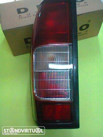 farolins de stop nissan pickup d22 ( novos )