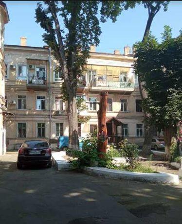 Продается 3-комнатная квартира, р-н Горсада Л4