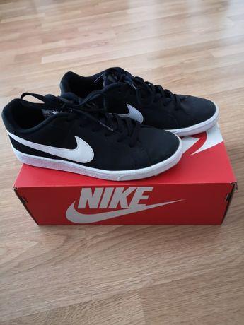 Nike Buty Damskie rozmiar 41 W BARDZO DOBRYM STANIE! Możliwa wysyłka.