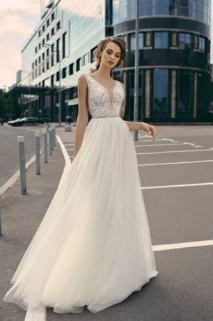 Suknia ślubna romantyczna rustykalna boho zwiewna lekka dekolt Piper