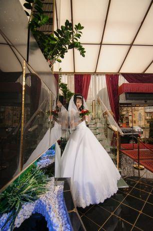 Весільна сукня,пляття