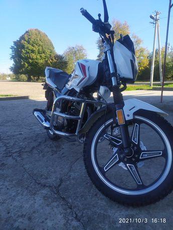 Мотоцикл практично новий обміняю розгляну всі пропозиції