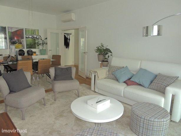 Apartamento T2 para Arrendamento no Paço do Lumiar, Liboa