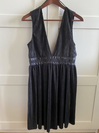 Czarna letnia sukienka terranova