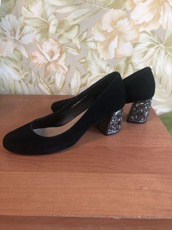 Продам туфли натуральная замша