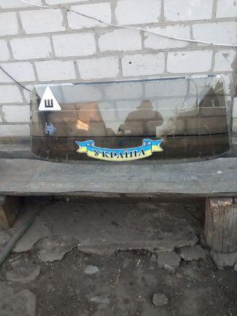скло заднє ВАЗ 2106