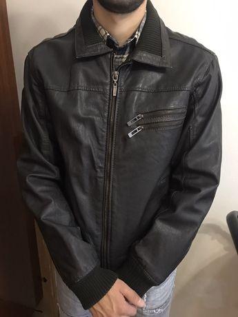 Шкіряна куртка в дуже доброму стані