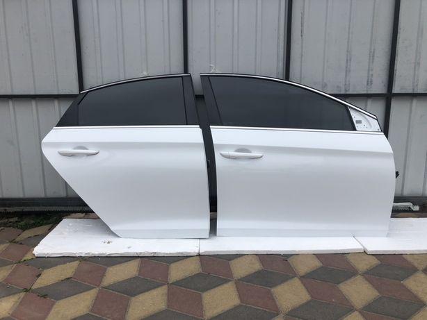 Hyundai sonata двери