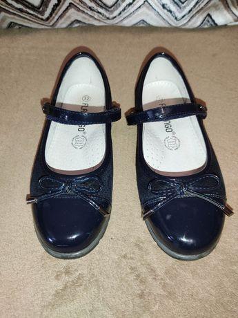 Туфли школьные для девочки 32 р.