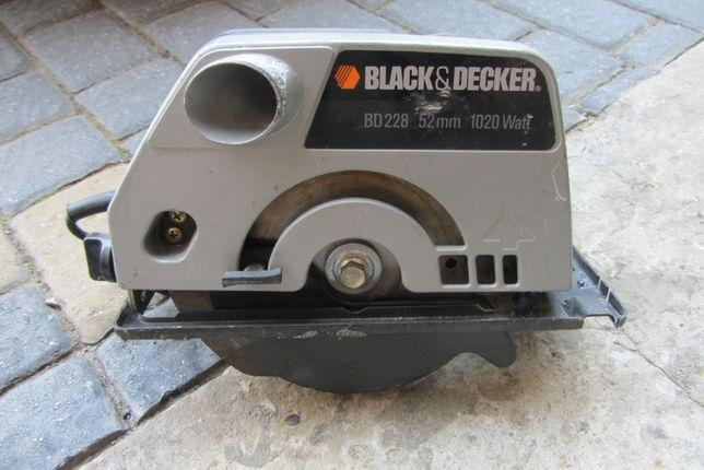 Piła elektryczna BLAC DECKER do cięcia pod kątem