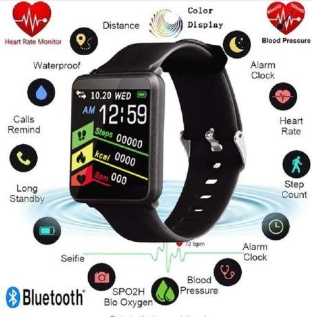 Smartwatch Opaska sportowa F1 ekran 1.44 cala