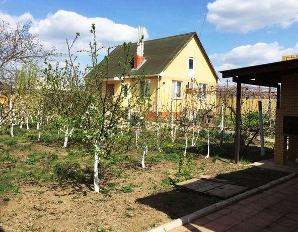 Продам 2 дома в Беляевке на одном участке 22 сот. с выходом к реке