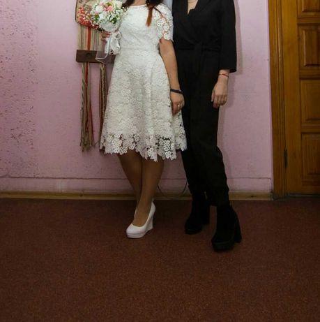 Свадебное платье ,S