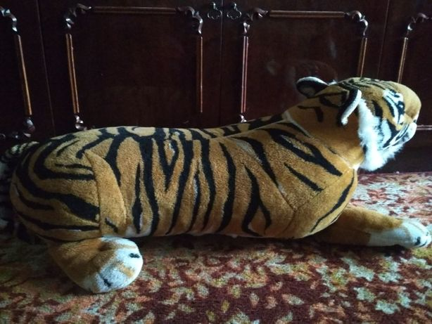 м'яка іграшка тигр