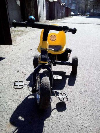 детский велосипед трехколесный.
