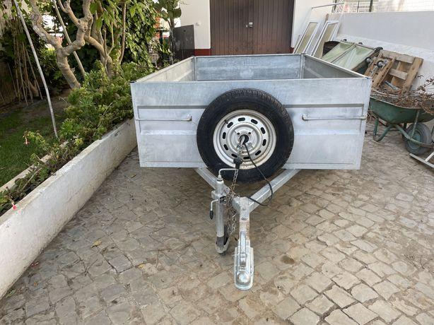 Atrelado de carga matriculado com eixo de 750kg