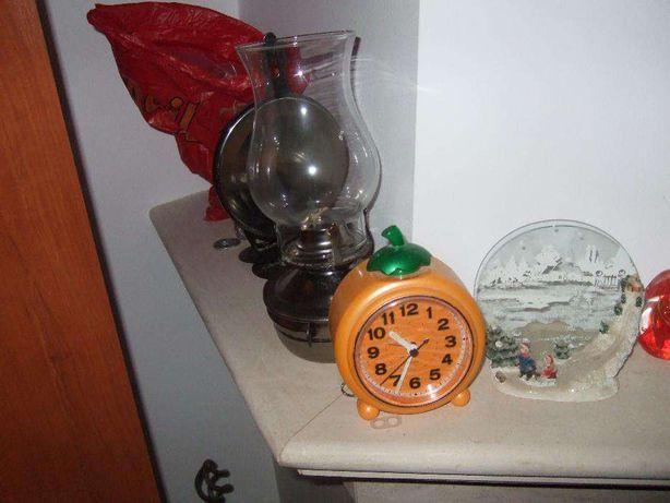 Relógio despertador laranja