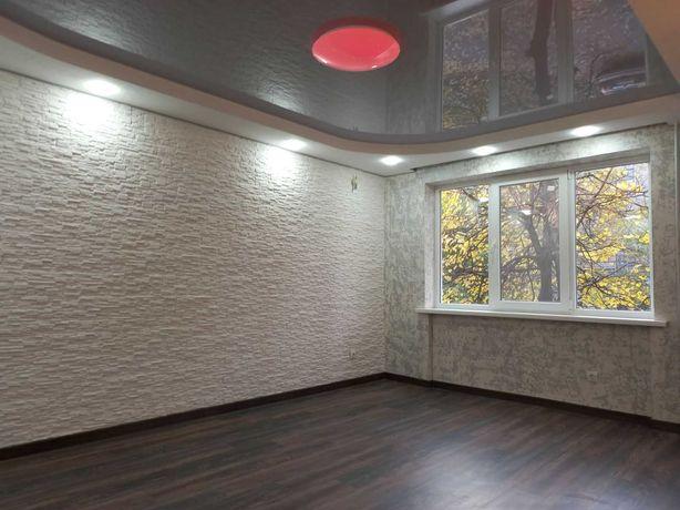 Продам двухкомнатную пр Шевченко второй этаж