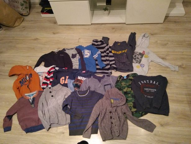 Bluzy i sweterki chłopięce