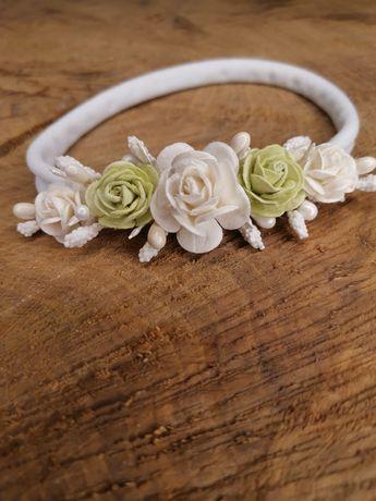 Wianek opaska bezuciskowa z kwiatami chrzest roczek sesja handmade