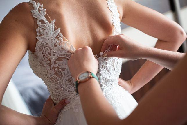 Suknia ślubna z welonem Laurita z kolekcji Annais Bridal by Ola La