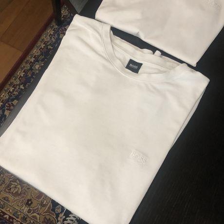 2 T shirts usadas mas como novas