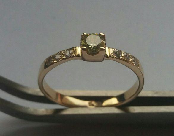 Pierścionek złoto z kamieniami 585