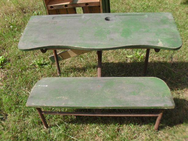 Stara ławka szkolna z kałamarzem zabytek muzealny oryginał vintage