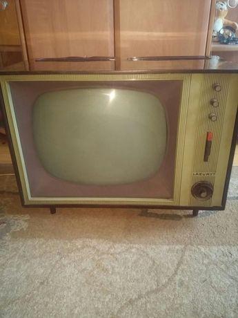 Sprzedam zabytkowy tv LAZURYT