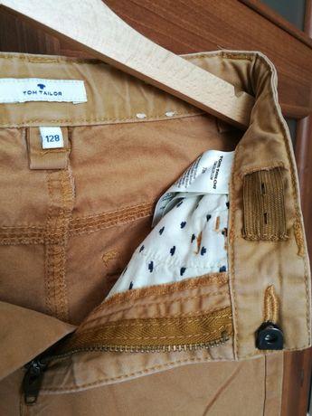 Spodnie chłopięce rozmiar 128 cm