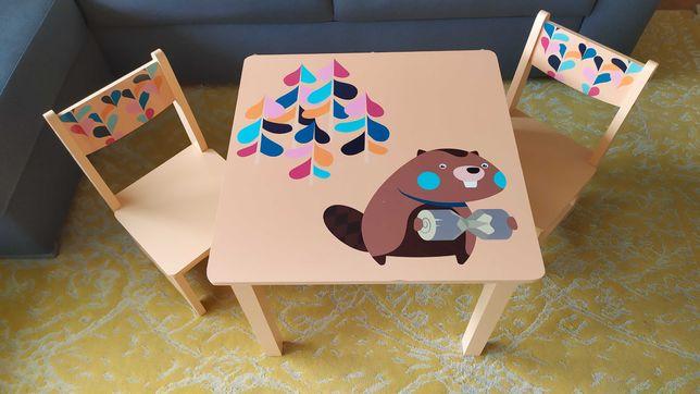 Stolik z krzesełkami drewniany