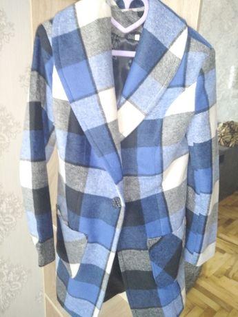 Пальто новое модное