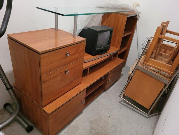 Móvel de TV madeira e vidro