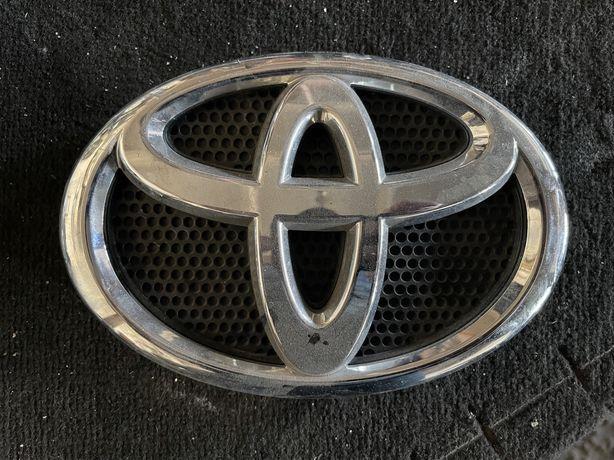 Значок емблема решетки радиатора  оригінал TOYOTA LAND CRUISER 200