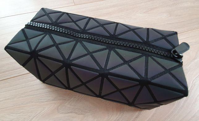 Kosmetyczka geometryczne kształty prostokąt multikolor NOWA
