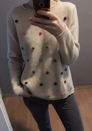 Wełniany beżowy sweter wełna