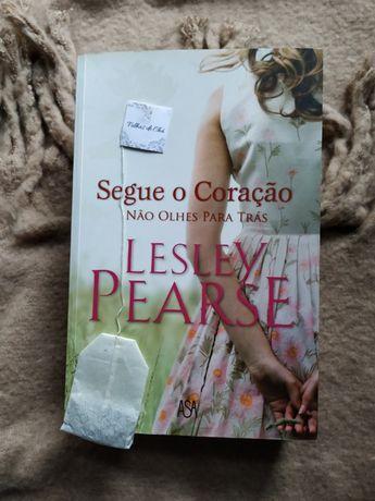 Livros (Pearl S. Buck, Danielle Steel, entre outros)