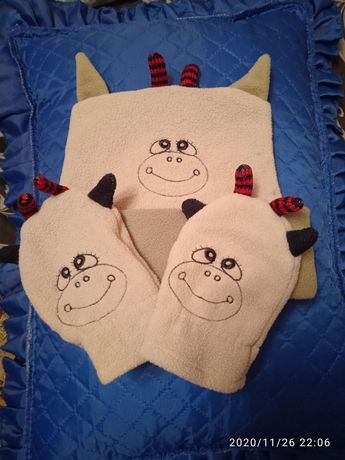 Шапочка и рукавички зимние, флисовый наборна 2,3,4 года