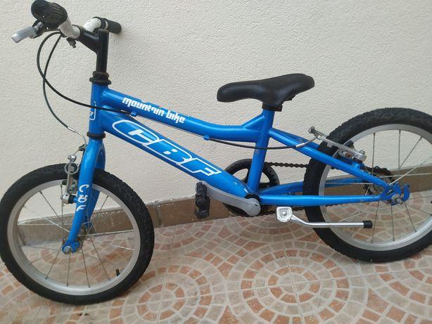 Bicicleta dos 3 até aos cerca de 6 anos para desocupar